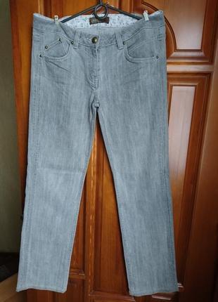 Серые джинсы easy