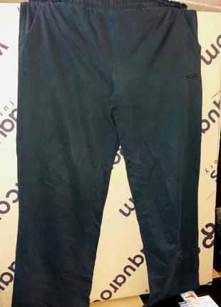 Отличные спортивные штаны,20разм(маломерят) на 48-50разм.