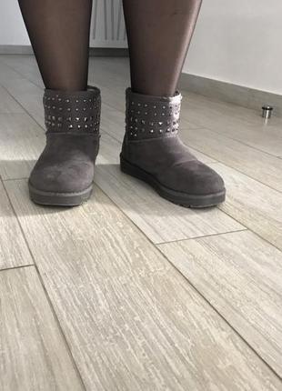 Угги чоботи