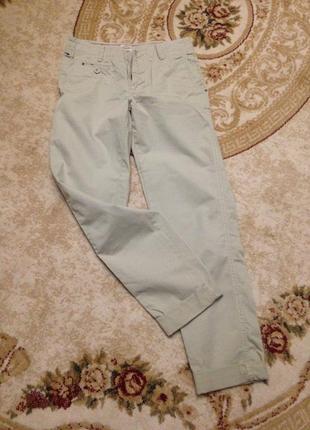 Продам брюки чиносы hilfiger 27p.