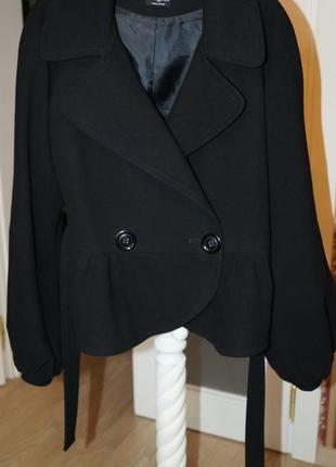 Кашемировый пиджак с баской