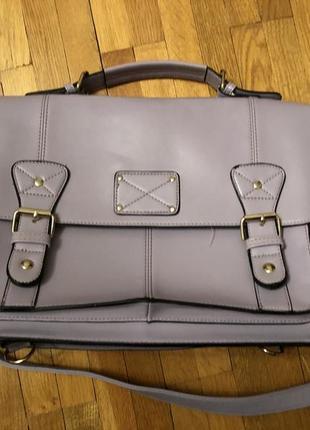 Нереально крутий портфель бузкового кольору !!!!!