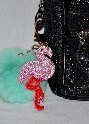 Брелок фламинго со стразами и меховым помпоном