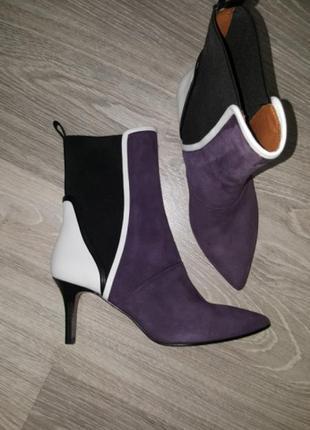 Новые брендовые замшевые полусапожки ботинки демисезонные 36 37 кожа