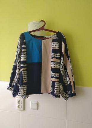 Яркая блуза от john levis