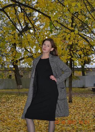 Черное платье миди от zara.