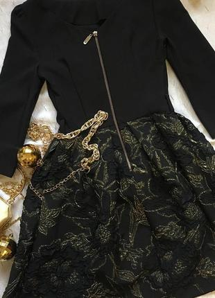 Новое пышное платье на золотой молниир s-m