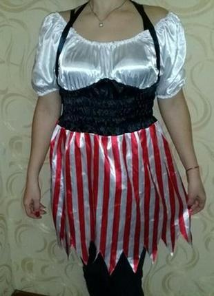 Карнавальное платье пиратки взрослое.