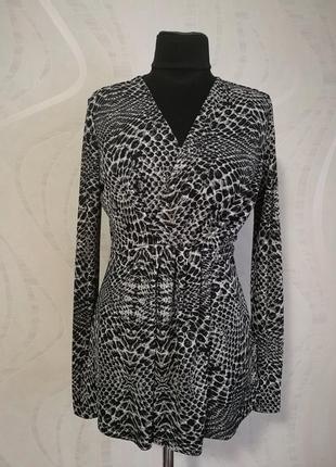 Дизайнерская блуза лонгслив расцветка риптилия имитация запаха
