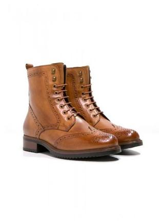 Ботинки челси на шнуровке