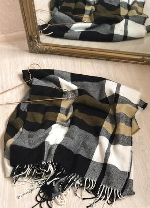 Большой и уютный пончо палантин шарф в клетку на зиму