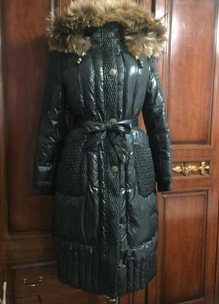 Пальто - пуховик 100% утиный пух, натуральный мех енота