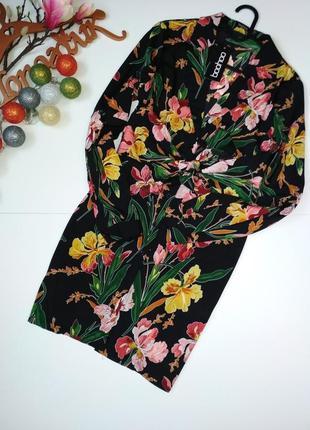 Яскрава сукня-сорочка в квітковий прінт