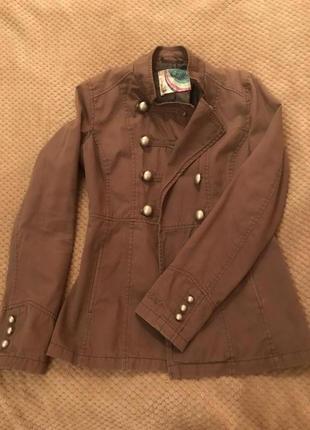 Курточка лёгкая, chillin