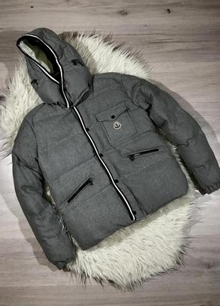 Курточка пуховик очень теплый зимний moncler отличный дизайн