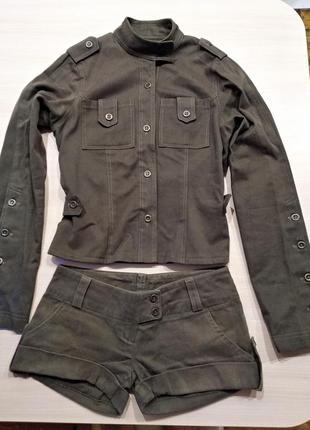 Дизайнерский  котоновый костюм: пиджак и шорты,р.s.