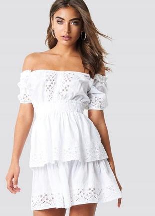 Na-kd романтична біла ажурна сукня