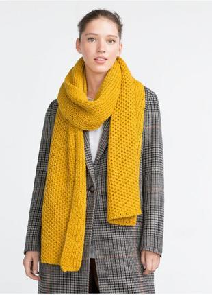 Тёплый желтый шарф zara