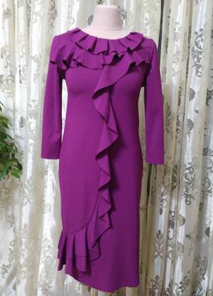 Элегантное итальянское модное платье миди с воланами цвета фуксии от valentino