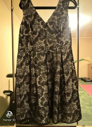 Красивое платье от dorothy perkins