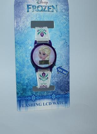 Часы с эльзой disney frozen flashing lcd lights оригинал сша рабочие новые