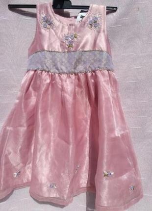 Нарядное, нежное платье для маленькой принцессы