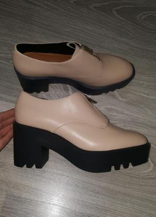 Новые other stories кожаные ботинки туфли тракторы 40 беж женские