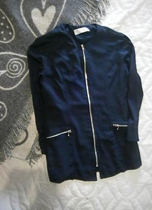 Легкий пиджак с замочками размер 46-48