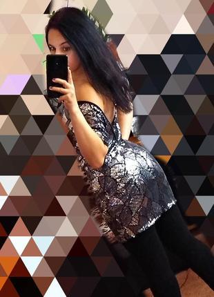 Нарядное платье с паетками с открытой спиной