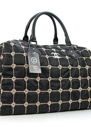 Черная дорожная сумка женская саквояж стеганая текстильная на плечо