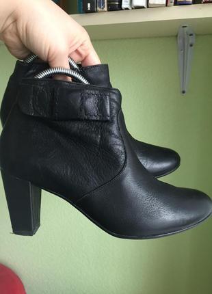 Сапоги полусапожки размер 37 кожа кожаные ботинки ботиночки низкий каблук