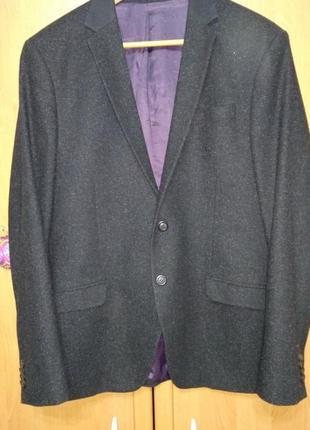 Пиджак на пуговицах