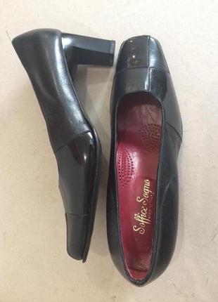 Классические итальянские туфли на среднем каблуке стелька 26 см