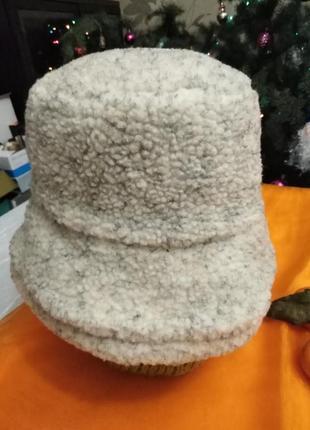 Шляпка утеплённая.