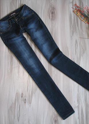 Базовые джинсы размер 25