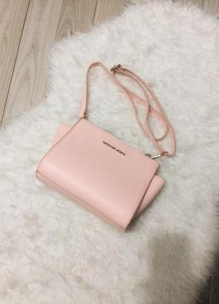 Нежная розовая сумочка mk