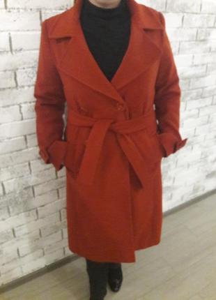 Осеннее шерстяное пальто делового стиля