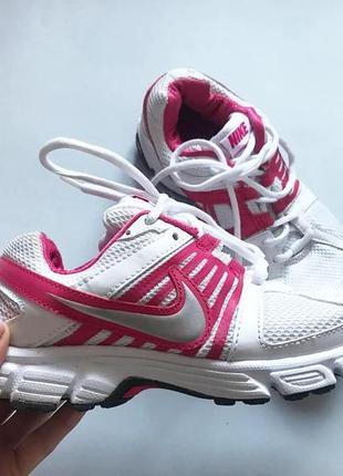 Беговые кроссовки nike размер 37,5 стелька 23,5