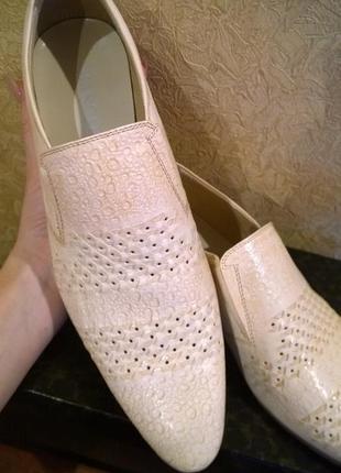 Фирменный туфли basconi 41 размер 26.5 см