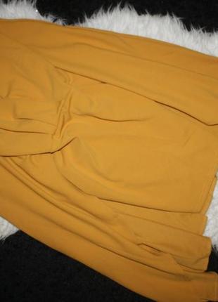 Платье с кейпом горчичного цвета2