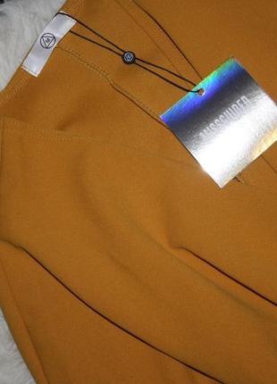 Платье с кейпом горчичного цвета3 фото