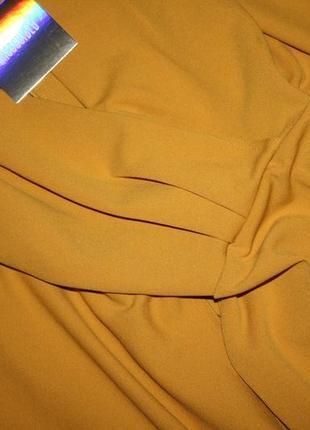 Платье с кейпом горчичного цвета4 фото
