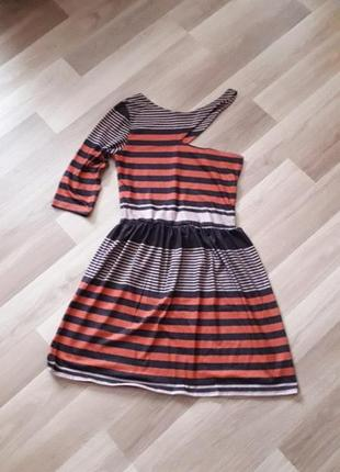 Крутое стильное летнее платье на одно плечо интересный нестандартный крой