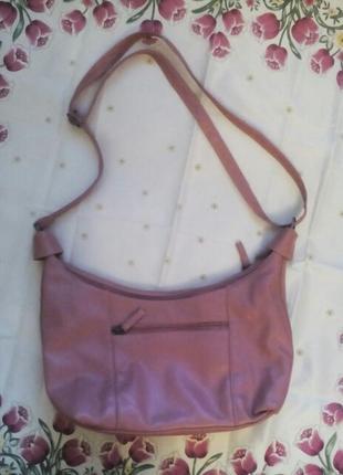 Хорошенькая сумка с качественного кожзама очень красивого нежного пудрового цвета