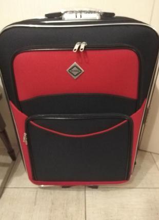 Дорожный чемодан черный с крастными вставками 5 колес