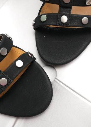 Bcbgeneration босоножки на широком каблуке с заклепками бренд из сша2