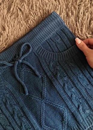 Теплая, зимняя вязаная юбка синяя имитация карманов вязка косами от terranova xs