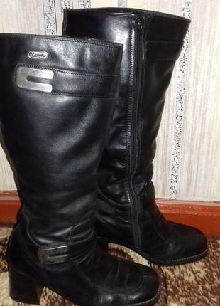 Шикарные, зимние, итальянские, кожаные , женские сапоги douglas