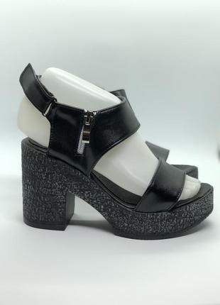 Босоножки черные натуральная кожа на каблуке5