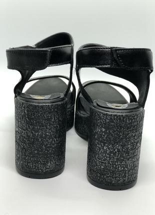 Босоножки черные натуральная кожа на каблуке4
